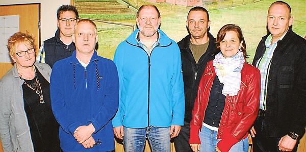 Der Vorstand des SV Mehrenkamp (von links): Elisabeth Quadmann-Roth, Thomas Meerjans, Martin Steffen, Willy Poschmann, Björn Eilers, Maria Eilers und Bernhard Norenbrock (Bild: Aloys Budde)